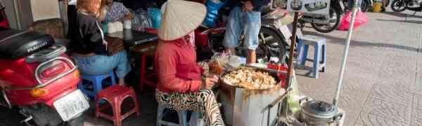 KY eats – Vietnamese Street Food 101 at Saigon – #3 Bot Chien and Ha Cao