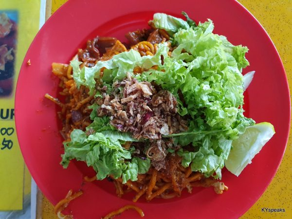 mee goreng with sotong